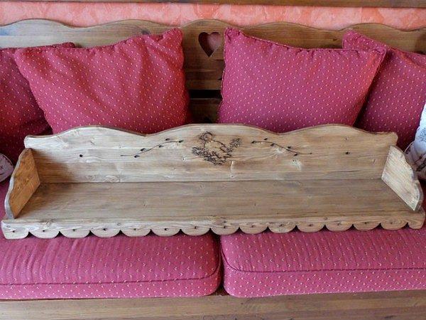 Etagère d'angle artisanale en bois déco chalet montagne