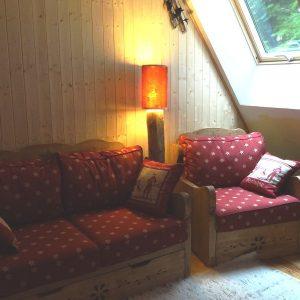 Canapé pin artisanal déco chalet montagne