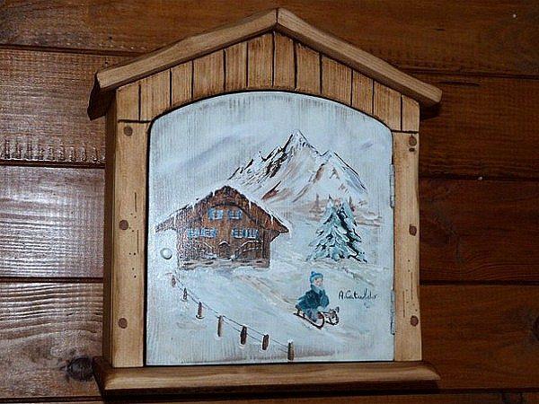 Armoire étagère artisanale en bois déco chalet