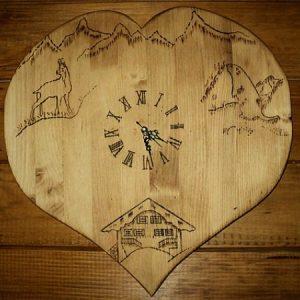 Horloge pendule artisanale en bois déco chalet montagne