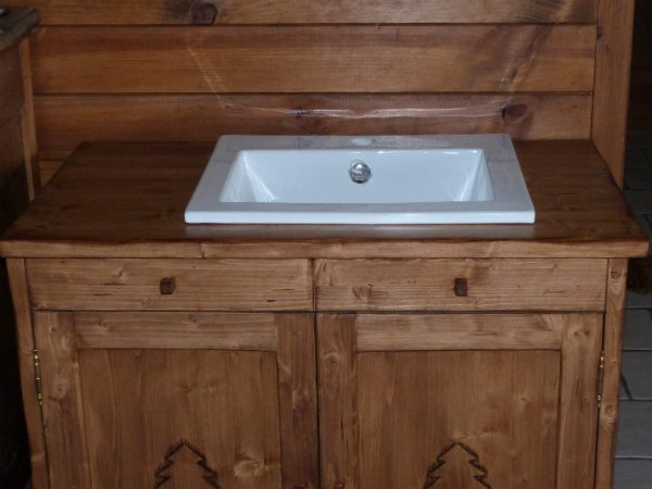 Meuble salle de bains déco chalet home made wooden bathroom furniture