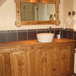 Façade meuble salle de bains déco chalet montagne