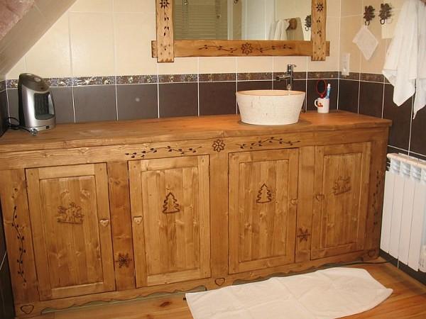 Façade et porte salle de bains sur mesure déco chalet montagne