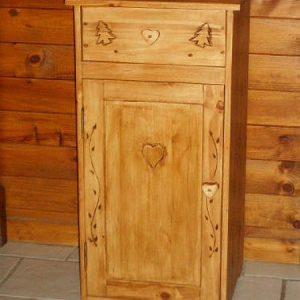 Chevet artisanal en bois déco chalet montagne