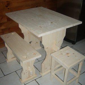 Table artisanale en pin sur mesure déco chalet montagne